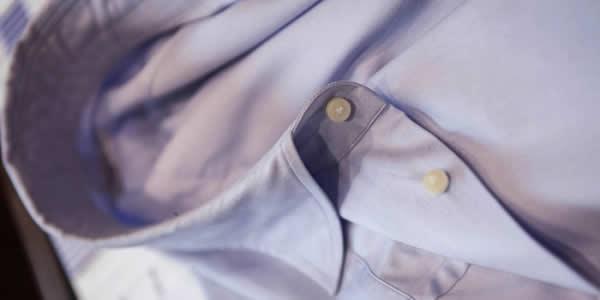 浅蓝色衬衫平铺图