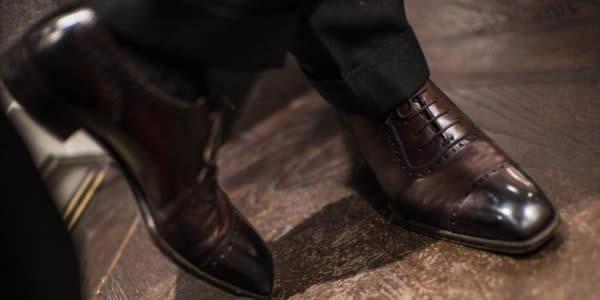 深棕色牛津鞋氛围图