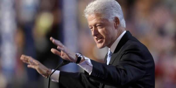 美国总统克林顿穿法式衬衫
