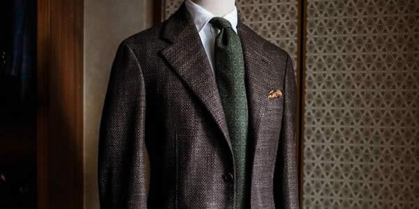 褐色格纹夹克