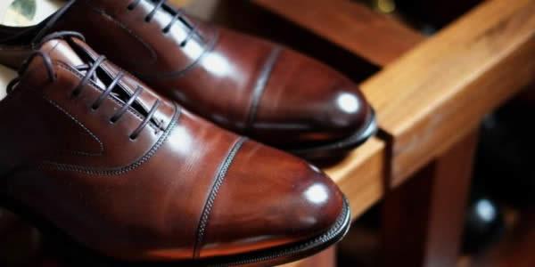棕色牛津鞋