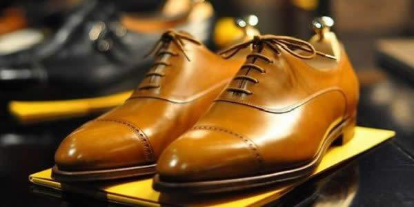 棕黄色牛津鞋