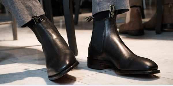 黑色切尔西靴