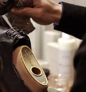 我该如何保养我的皮鞋?