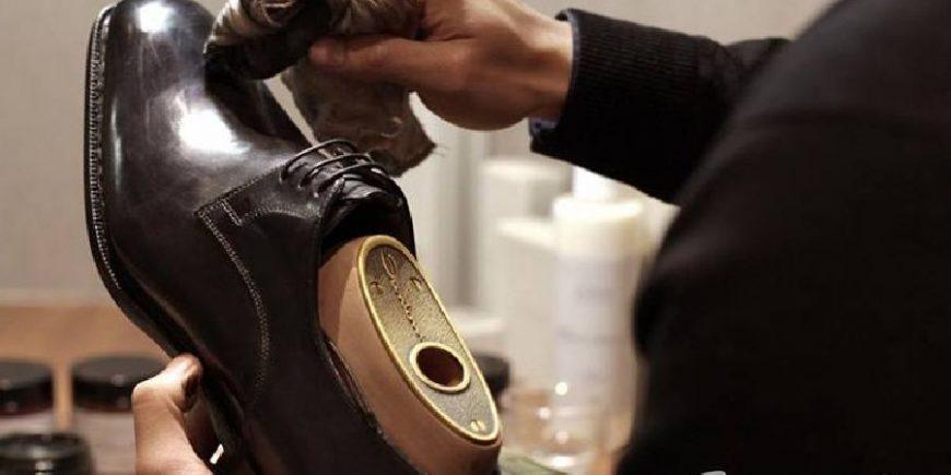 擦皮鞋氛围图