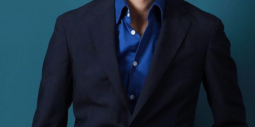 宋世泊船深蓝色夹克搭配图