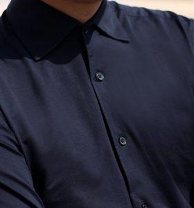 一片领衬衫