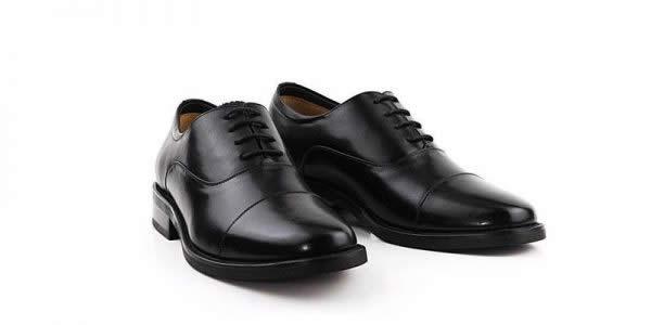 胶粘皮鞋白底图