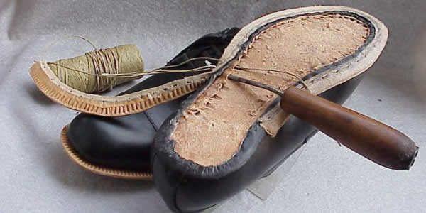 手工沿条缝皮鞋底部结构示意图