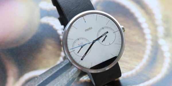 moto白色表盘手表细节图